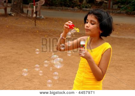 A Little Bubble Maker