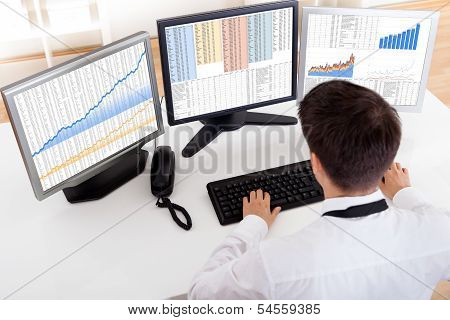 Stock Broker Trading In A Bull Market
