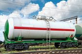 foto of railroad car  - railroad tank car - JPG