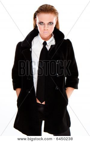 Urban Business Frau tragen Krawatte
