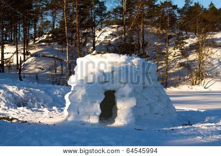 Igloo -  House In The Winter On The Lake