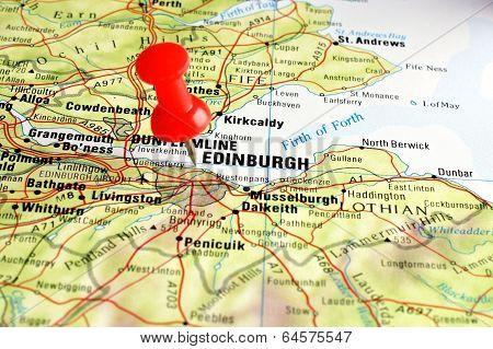 Edinburgh map with pin