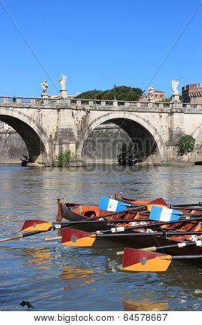 Regatta Con Tiber River