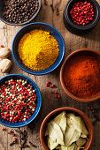 picture of bay leaf  - spices in bowls - JPG