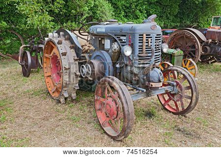 Ancient Tractor Landini L55 Hot Bulb Engine