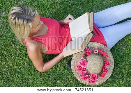 Relaxed Book Reader Otdoors