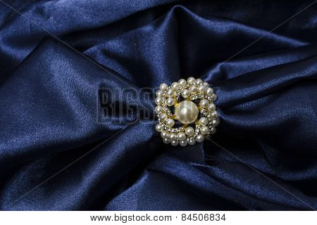 Brooch For Scarf With Pearl