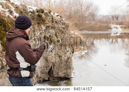 Rest in winter fishing