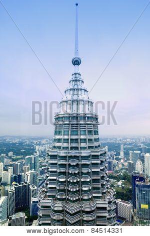 KUALA LUMPUR, MALAYSIA - JANUARY 18: Petronas Twin Towers on January 18, 2014 in Kuala Lumpur