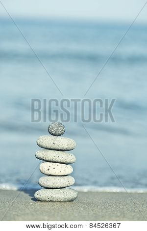 equilibrium tower of stones
