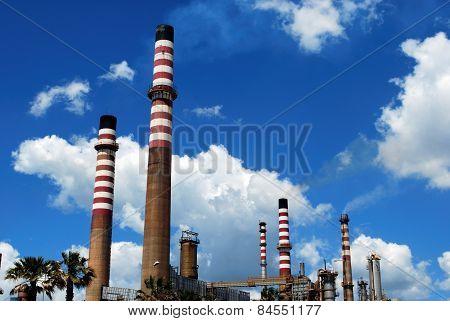 Refinery chimneys, Puente Mayorga.