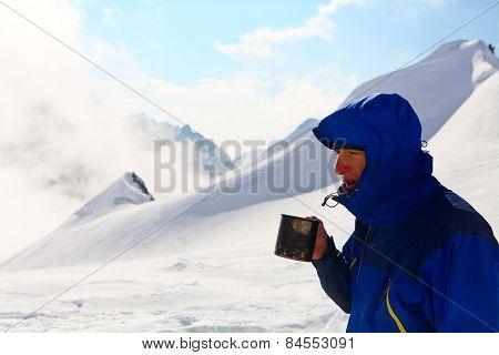 hiker drink coffee or tea