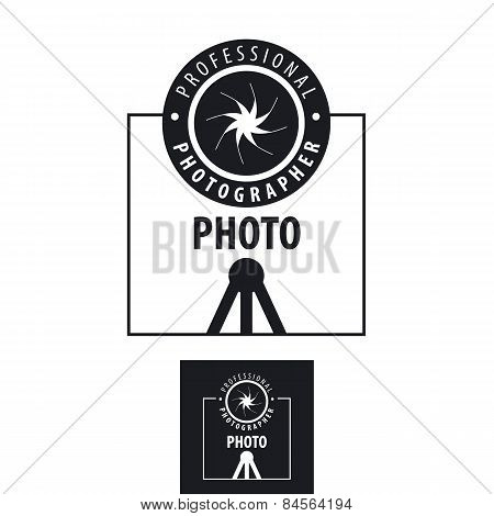 Vector Icon For Photographer Lens On A Tripod