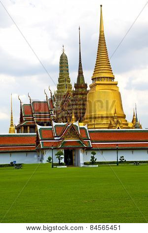 Pavement Gold    Temple   In   Bangkok  Thailand  Grass