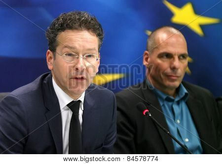 Dutch Finance Minister And Eurogroup President Jeroen Dijsselbloem (l) And Greece's Finance Minister