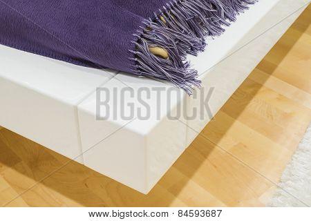 Bed corner