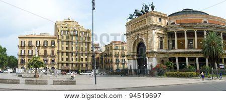 Panorama image of Teatro Massimo
