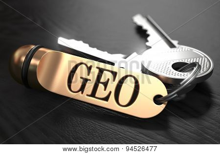 GEO written on Golden Keyring.