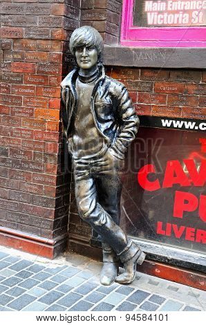 John Lennon statue, Liverpool.