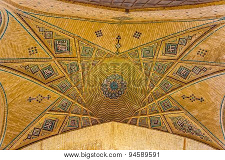 Ceiling of the tombs in Musalla Gardens