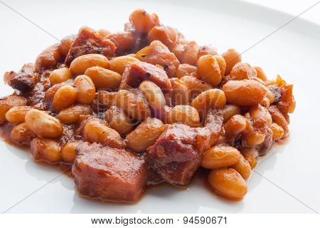 Baked beans in tomato sauce on white 2