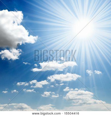 sol no céu azul