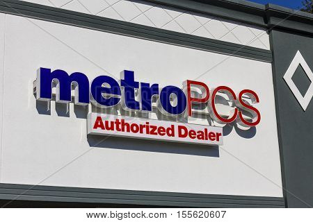 Indianapolis - Circa November 2016: Metropcs Retail Location. Metropcs Is A Prepaid Wireless Service