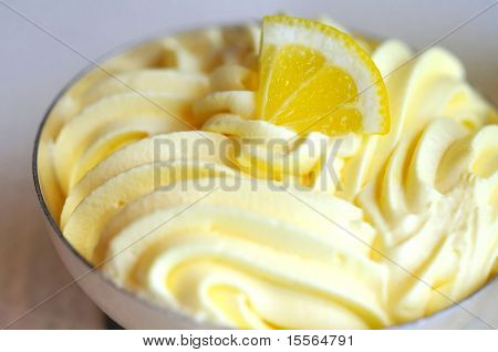 Refreshing Lemon Ice Cream