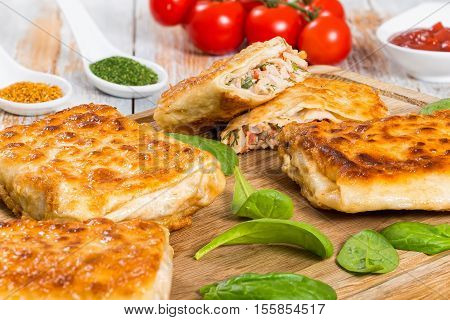 Fried Flatbread Stuffed With Chicken Meat, Cucumber, Coleslaw, Tomato ,spinach