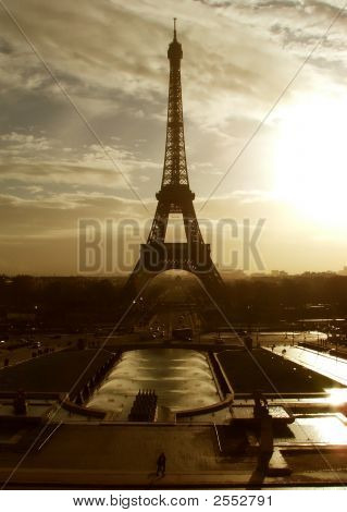 Eiffel Tower At Sunrise - Paris