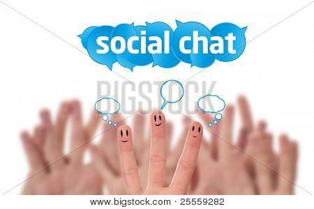 Happy Group of Finger Smileys mit sozialen Schwätzchenluftblasen Zeichen und Rede