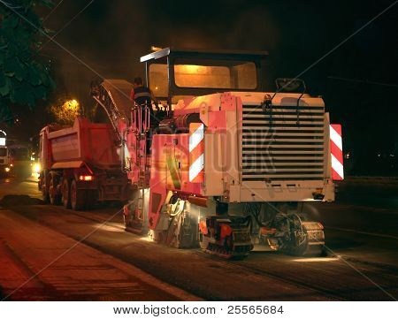 road works, removal of old asphalt pavement