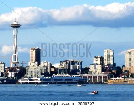 Seattle Skyline With Space Needle V1