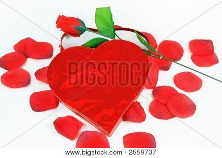 Heart Box Rose And Petals