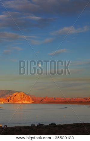 Spectacular sunset. Lake Powell lit up the last rays of the setting sun