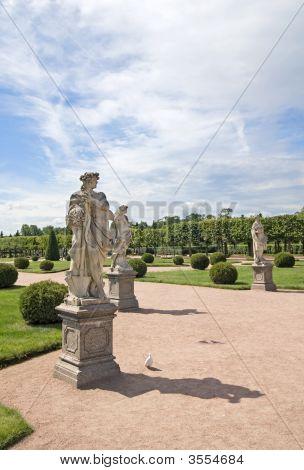 Zephyrus And Pomona Statues