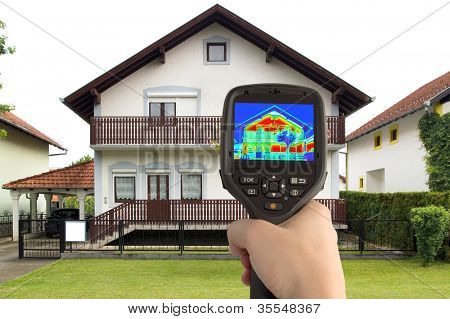 Detecting Heat Loss at the House With Infrared Thermal Camera