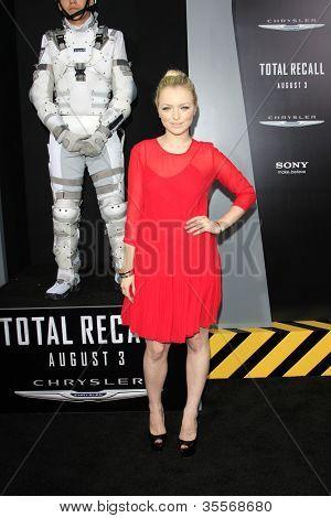 LOS ANGELES - 1 de agosto: Francesca Eastwood na estréia de 'Total Recall' Grauman c Los Angeles