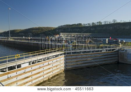 Hastings Lock And Dam Structure