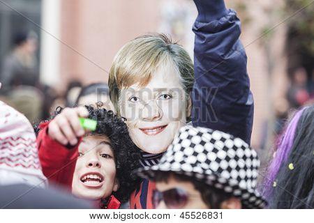 Alexandroupolis, Grécia - 16 de março: Participante não identificado do desfile de Carnaval em Alexandroupolis Ó