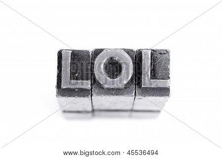 Signo de lol, tipo de letra de metal antiguo