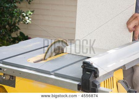 Table Saw Cutting Laminate