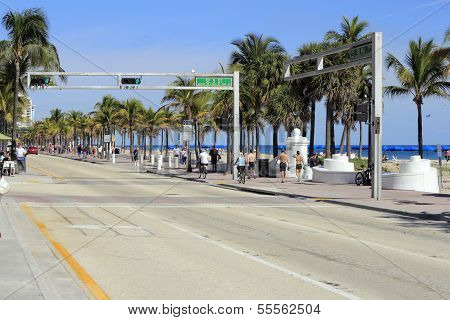 Se 5Th St At Sr A1A