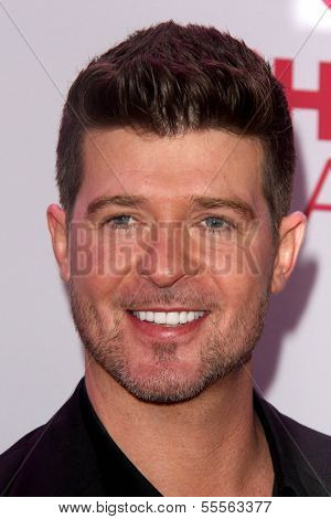 LOS ANGELES - DEC 6:  Robin Thicke at the KIIS FM Jingle Ball 2013 at Staples Center on December 6, 2013 in Los Angeles, CA
