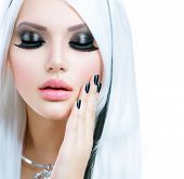 Постер, плакат: Beauty Fashion Girl black and white style Long White Hair with Black Stripes Smoky Eyes Makeup and