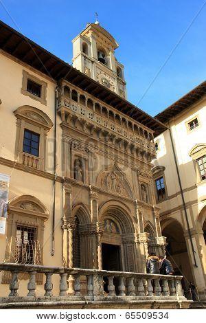 Fraternita Dei Laici Palace In Arezzo