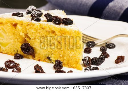 Apple Vanilla Ginger Cake With Black Currants