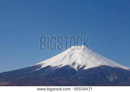 top of mountain fuji and snow in winter season