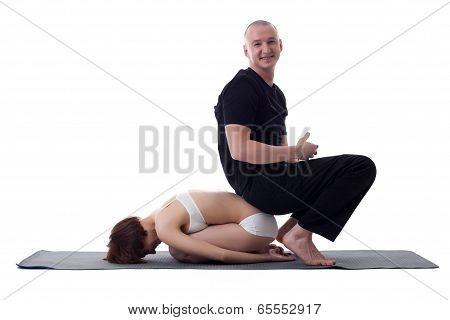 Image of cheerful yogis posing at camera