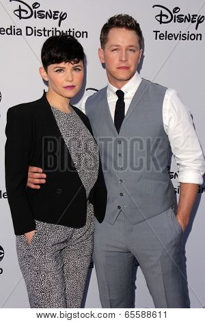 LOS ANGELES - MAY 19:  Ginnifer Goodwin, Josh Dallas at the Disney Media Networks International Upfronts at Walt Disney Studios on May 19, 2013 in Burbank, CA